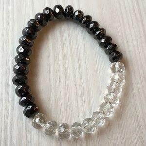 Jewelry - Beautiful Stretch Crystal Bracelet in Black/Clear